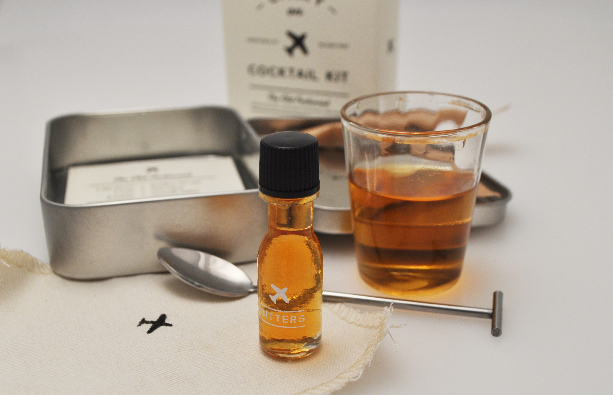 la-dd-carry-on-old-fashioned-cocktail-kit-20141121